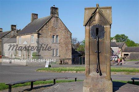 Village bien, Hartington, Peak District, Derbyshire, Angleterre, Royaume-Uni, Europe