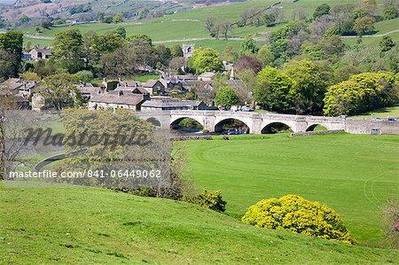 Le Village de Burnsall Wharfedale, Yorkshire Dales, Yorkshire, Angleterre, Royaume-Uni, Europe