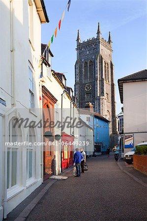 High Street et l'église de Saint Pierre et Saint Paul, Cromer, Norfolk, Angleterre, Royaume-Uni, Europe