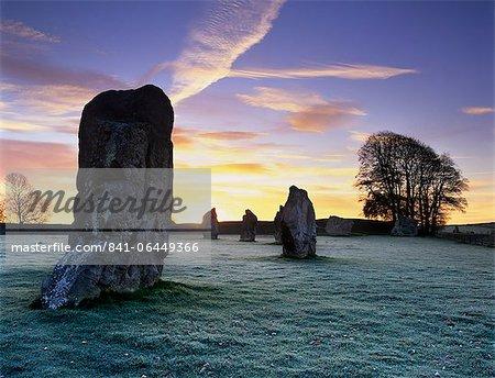 Cercle de pierres préhistorique en gel, Avebury, patrimoine mondial de l'UNESCO, dans le Wiltshire, Angleterre, Royaume-Uni, Europe