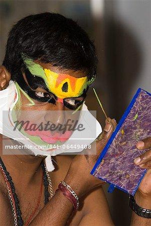 Kathakali Dancer preparing for performance, Kochi (Cochin), Kerala, India, Asia