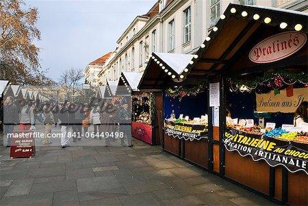Christmas Market, Unter Den Linden, Berlin, Allemagne, Europe