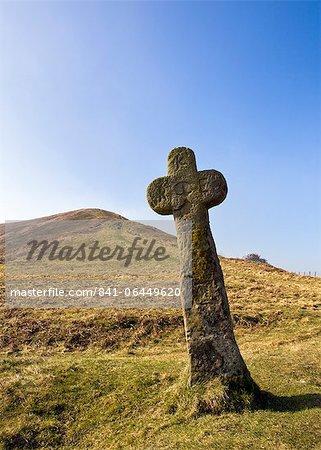 Croix de Malo et hennissent Nab sur le North York Moors, Yorkshire, Angleterre, Royaume-Uni, Europe