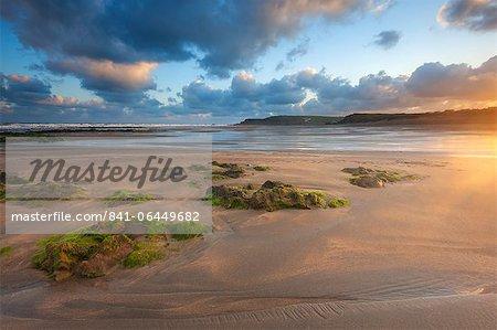 Tôt le matin, Widemouth Bay, Cornwall, Angleterre, Royaume-Uni, Europe