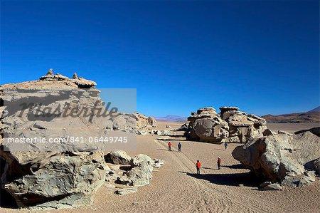 Formation rocheuse dans le Eduardo Avaroa réserve nationale de faune andine, hautes terres du Sud-Ouest, en Bolivie, en Amérique du Sud