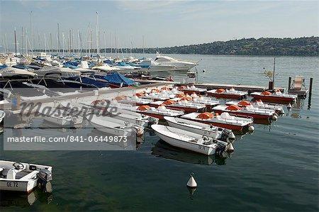 Boats on Lake Geneva, Geneva, Switzerland, Europe
