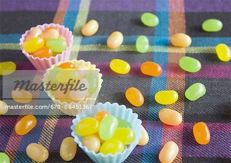 Bonbons dans des tasses de silicone