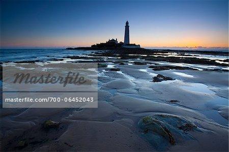 St Mary's Lighthouse at Dawn, St Mary's Island, Tyne and Wear, England