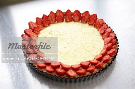 Making a Strawberry tart - step shot