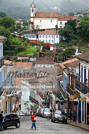 Street scene with colonial buildings in Ouro Preto, UNESCO World Heritage Site, Minas Gerais, Brazil, South America