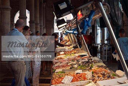 Fish market at Ponte di Rialto, Venice, Veneto, Italy, Europe