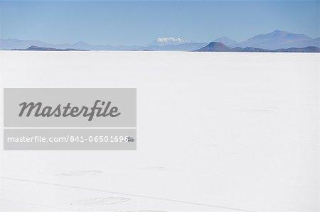 Camper van on Salar de Uyuni (Salt Flats of Uyuni), Potosi Department, Bolivia, South America