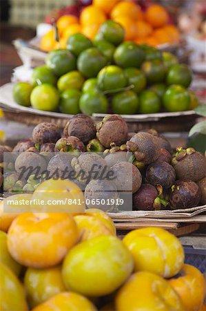 Mangosteens at market, Phnom Penh, Cambodia, Indochina, Southeast Asia, Asia