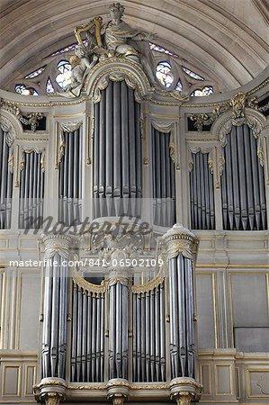 Main organ, St. Germain l'Auxerrois church, Paris, France, Europe