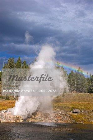 Riverside Geyser, Upper Geyser Basin, Yellowstone National Park, UNESCO World Heritage Site, Wyoming, United States of America, North America
