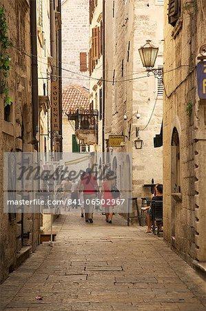 Narrow street in Old Town, UNESCO World Heritage Site, Kotor, Montenegro, Europe