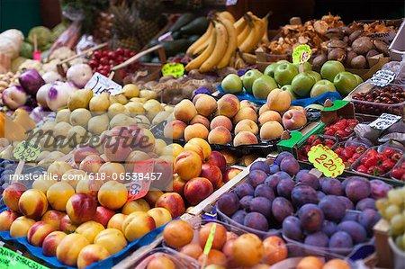 farmer's market in Italy