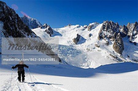 Europe, France, French Alps, Haute Savoie, Chamonix, ski touring in Valle Blanche off piste ski area MR