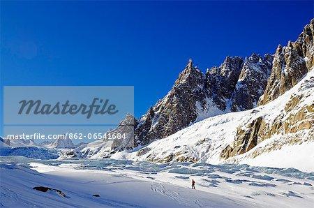 Europe, France, French Alps, Haute Savoie, Chamonix, skier in the Valle Blanche off piste ski area MR