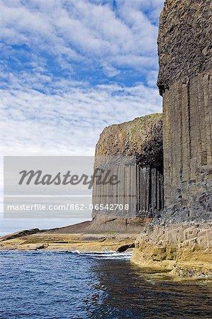 Scotland, Western Isles, Hebrides, Staffa. Entrance to Fingal s Cave.