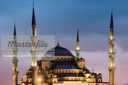 Turkey, Marmara, Istanbul, Blue Mosque, Sultan Ahmed Mosque Illuminated at Dusk