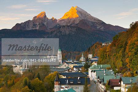 View over Berchtesgaden and the Watzmann Mountain at sunrise, Berchtesgaden, Bavaria, Germany, Europe