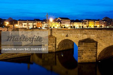 River Otata and Kamenny Most, the oldest Gothic stone bridge in Czech Republic during twilight, Pisek, Budejovicko, Czech Republic, Europe