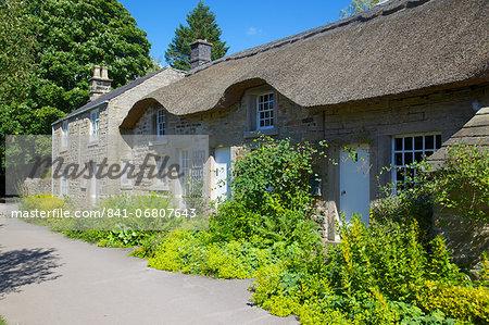 Thatched cottages, Baslow, Derbyshire, England, United Kingdom, Europe
