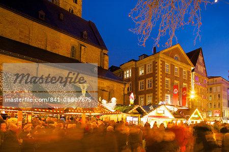 Willy Brandt Platz and Christmas Market, Dortmund, North Rhine-Westphalia, Germany, Europe