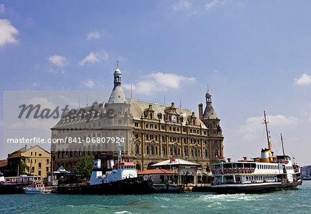 Boat in front of Haydarpasa Terminus railway station, Istanbul, Turkey, Europe, Eurasia
