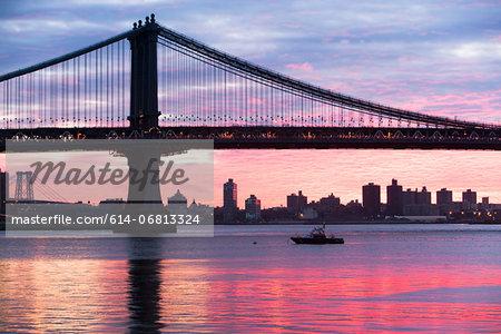 Manhattan bridge at sunset, New York City, USA
