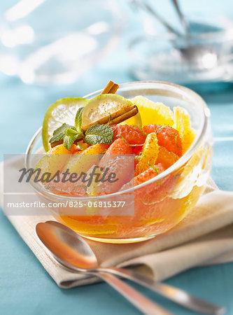 Cinnamon-flavored citrus fruit salad