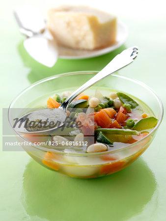 Minestrone with pesto sauce