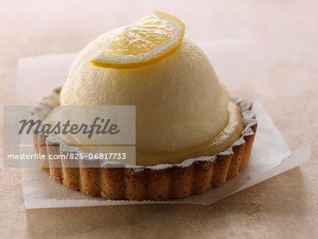 Lemon curd and whipped egg white tartlet