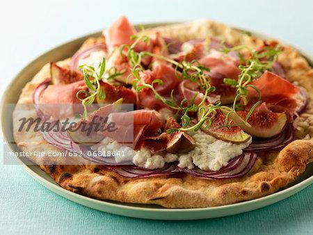 Raw ham,cream cheese and fresh fig pizza