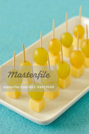 Comté and white grape bite-size appetizers
