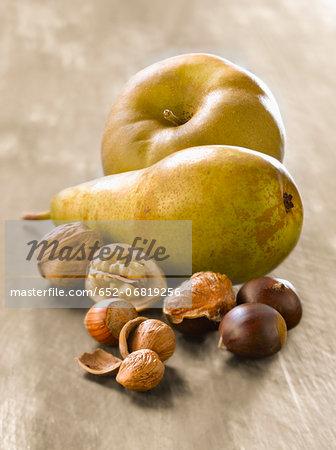 Composition with autumn fruit
