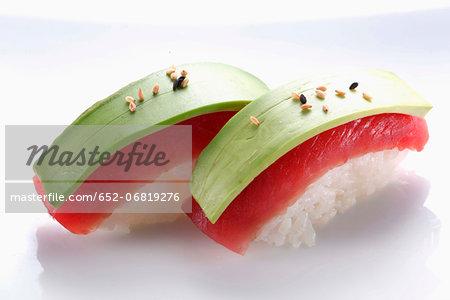 Tuna-avocado Sushis