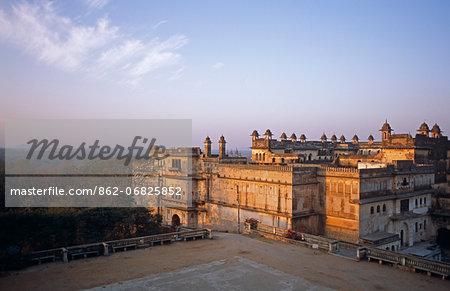 Asia, India, Madhya Pradesh, Orchha.  The Raj Mahal and Assembly Hall.