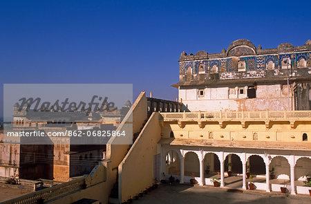 Asia, India, Madhya Pradesh, Orchha.  Hotel Sheesh Mahal with Raj Mahal and Assembly Hall to the left.