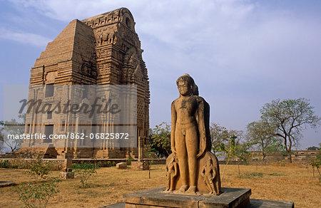 Asia, India, Madhya Pradesh, Gwalior, Gwalior fort.  Teli ka Mandir temple with statue of jain tirthankaras.