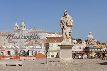 Miradouro das Portas do Sol and Statue of Sao Vicente with Monastery of Sao Vicente de Fora in background, Alfama, Lisbon, Portugal