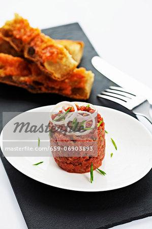 Steak tartare with tomato bread