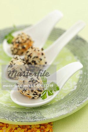 Quail's eggs with sesame seeds