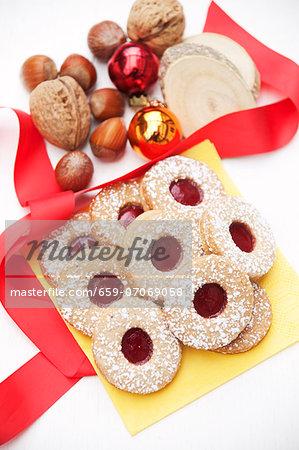 Linzer Plätzchen (nutty shortcrust jam sandwich biscuits) with redcurrant jam