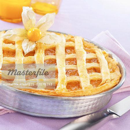 Orange marmelade and kumquat pie
