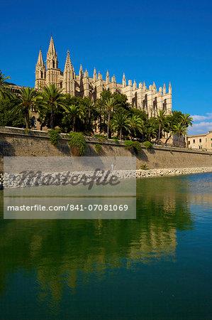 The Cathedral of Santa Maria of Palma, Palma, Mallorca, Spain, Europe