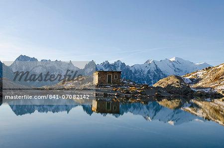 Lac Blanc, Mont Blanc and Aiguilles de Chamonix, Chamonix, Haute-Savoie, French Alps, France, Europe