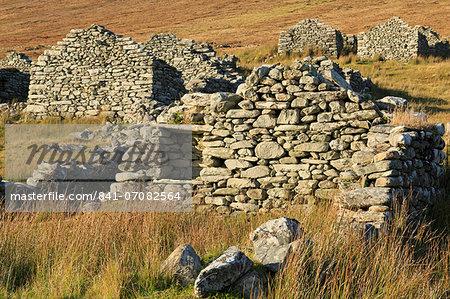 Deserted village on Achill Island, County Mayo, Connaught (Connacht), Republic of Ireland, Europe