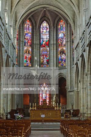 The nave of Saint Louis de Blois cathedral, Blois, Loir-et-Cher, Centre, France, Europe
